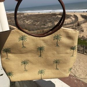 Cappelli Straworld bag w/ palm trees snap closure